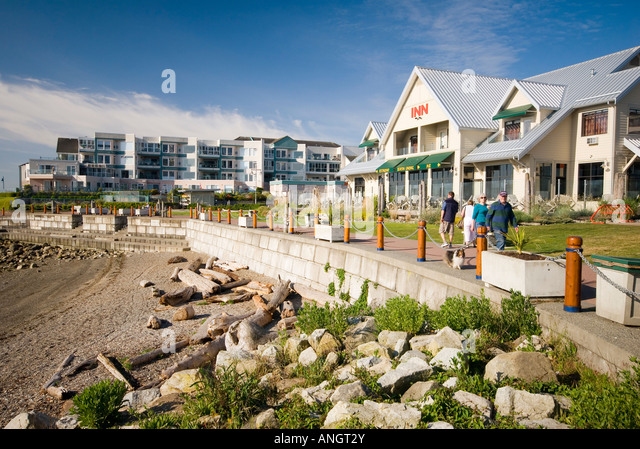 A pub along the waterfront in Sidney, Vancouver Island, British Columbia, Canada. - Stock Image