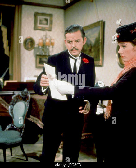 DAVID TOMLINSON & JULIE ANDREWS MARY POPPINS (1964) - Stock Image