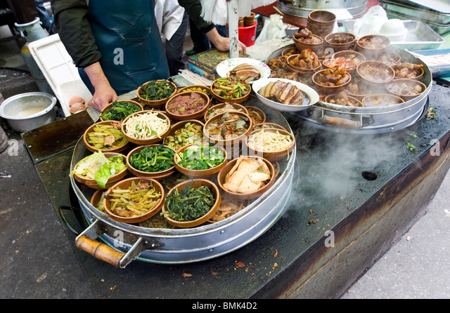 Ready to eat street food served hot, Shanghai, China - Stock-Bilder