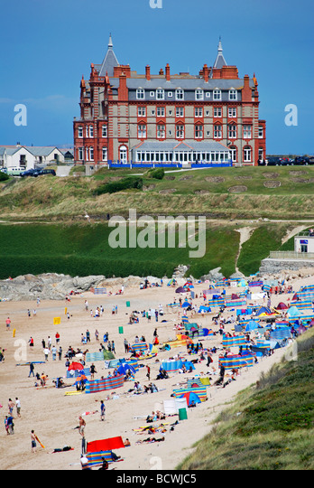 the headland hotel overlooks fistral beach,newquay,cornwall,uk - Stock Image