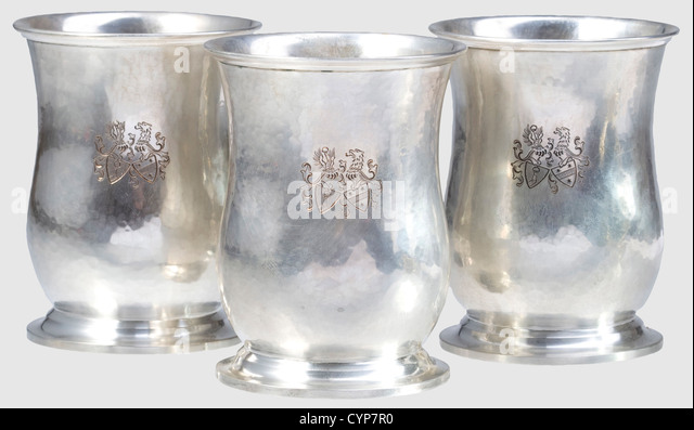 Hermann and Emmy Goering - three silver beakers, as previous. Height 8.8 cm each, weights between 90 and 92 g, - Stock-Bilder