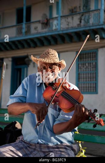Violin player, Santiago de Cuba, Cuba, West Indies, Central America - Stock Image