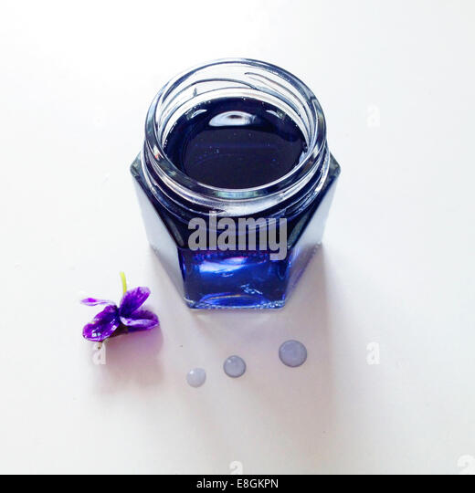 Overhead view of a jar of Violet syrup - Stock Image
