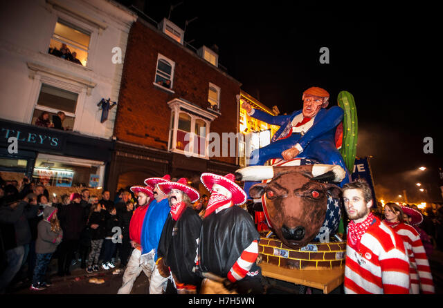 Lewes, UK. 5th Nov, 2016. Lewes Bonfire Night Celebrations. The annual 5th November celebrations in Lewes, East - Stock Image