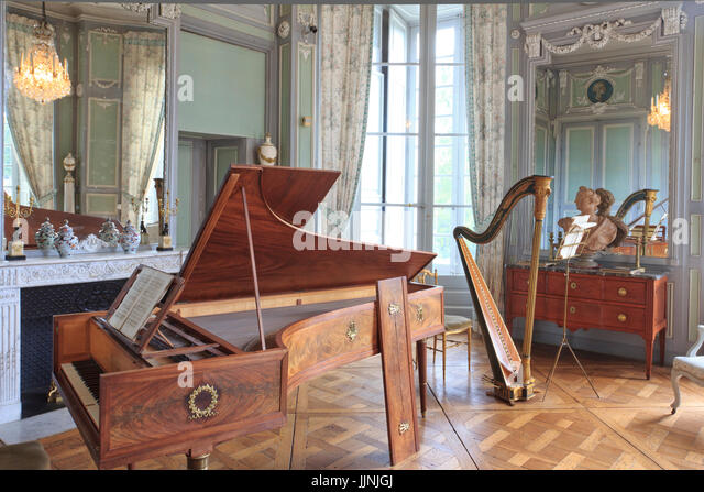 Chateau valencay stock photos chateau valencay stock for Le salon de musique