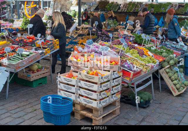 Foodscapes stock photos foodscapes stock images alamy for Outdoor food market