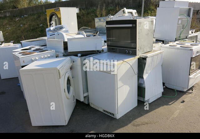 Recycling ELECTRONIC SCRAP in place - Stock Image