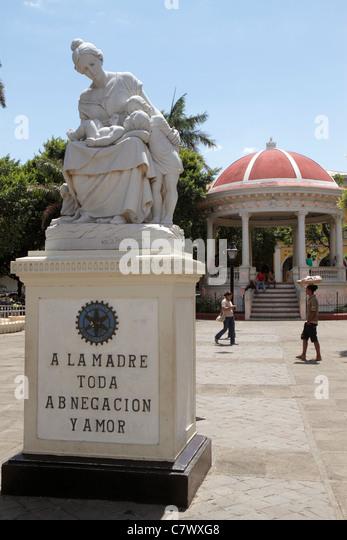Nicaragua Granada Avenida Guzman Central Plaza Central Park Parque Central colonial heritage historic district Mothers - Stock Image