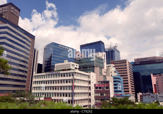Towering skyscrapers dominate central Seoul - Stock Image