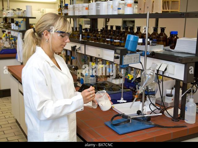 A trainee lab technician at Evonik, Essen, Germany - Stock-Bilder