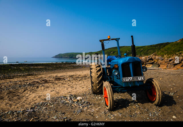 Tractor Pull Boats : Pull ashore stock photos images alamy