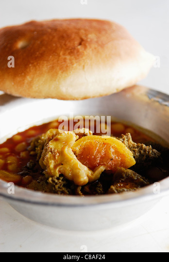 Sheep's tripes with lentils - Stock Image
