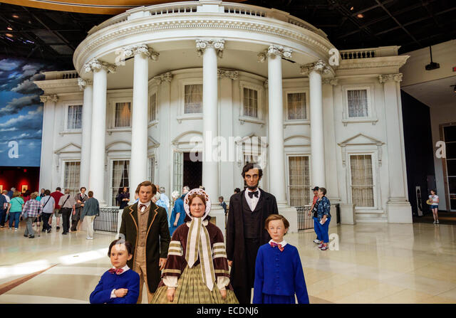 Illinois Springfield Abraham Lincoln Presidential Museum inside life-size life-like statues Mary Todd children family - Stock Image