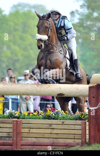 Joy Dawes riding FINNISTERRE at fence 16. Mitsubishi Badminton Horse Trials - Stock Image