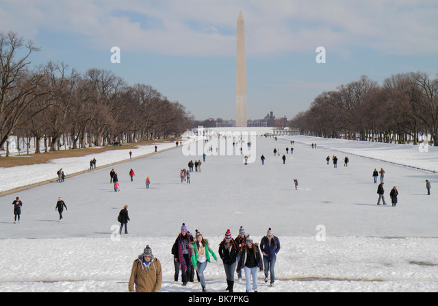 Washington DC Washington DC West Potomac Park National Mall and Memorial Parks The Reflecting Pool Washington Monument - Stock Image