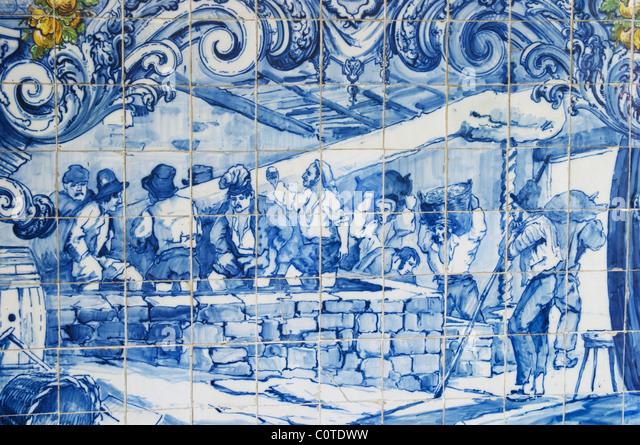 azulejos crushing grapes in lagares ferreira port lodge vila nova de gaia porto portugal - Stock Image
