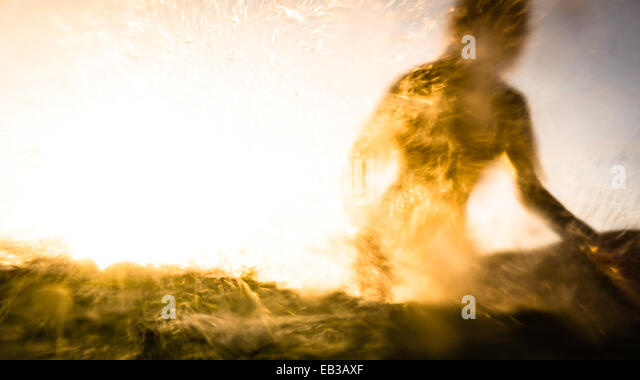USA, California, Los Angeles County, Malibu, Silhouette of surfer - Stock-Bilder
