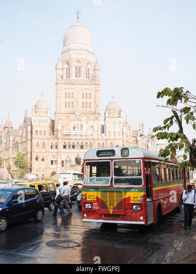 Double decker bus outside Mumbai Municipal corporation building, Mumbai (Bombay), India, South Asia - Stock Image