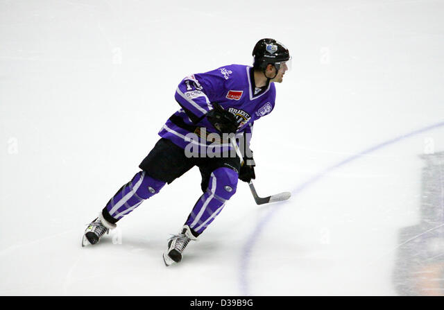 Glasgow, Scotland, UK. 13th February 2013. Elite Ice Hockey League Braehead Clan v Hull Stingrays Braehead Arena. - Stock Image