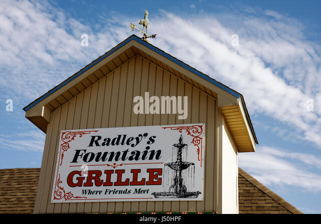 Monroeville Alabama Radley's Fountain Grille restaurant sign turret weather vane dining home cooking - Stock Image