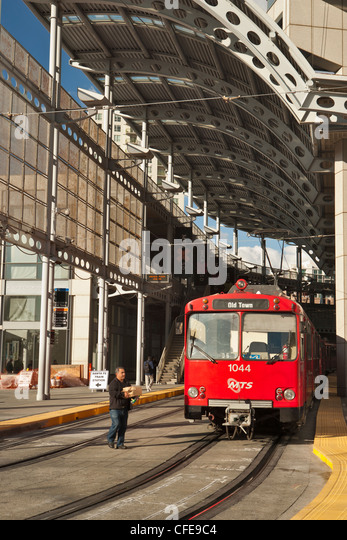 Red Trolley Stock Photos Amp Red Trolley Stock Images Alamy