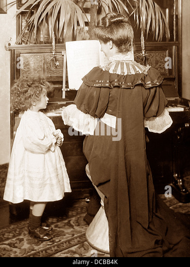 Childhood studio photograph Victorian period - Stock-Bilder