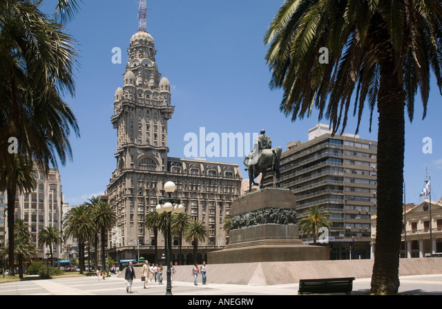 Uruguay Montevideo Plaza Independencia - Stock Image
