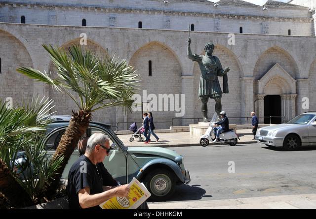 alfarano sindaco barletta statue - photo#26