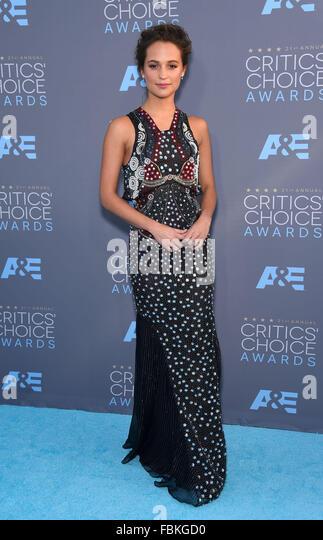 Santa Monica, California, USA. 17th Jan, 2016. Alicia Vikander arrives for the 2016 Critics' Choice Awards at - Stock Image