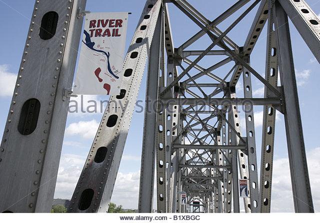 Arkansas Little Rock Junction Bridge River Trail pedestrian bridge over Arkansas River walkway span link rail bridge - Stock Image
