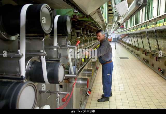 Dormagen, Germany, Dralon GmbH, acrylic fiber production in spinning - Stock Image