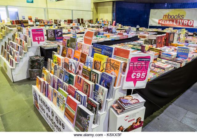 Portugal Lisbon Cais do Sodre Lisbon Metro station concession store shopping bookstore books Portuguese language - Stock Image