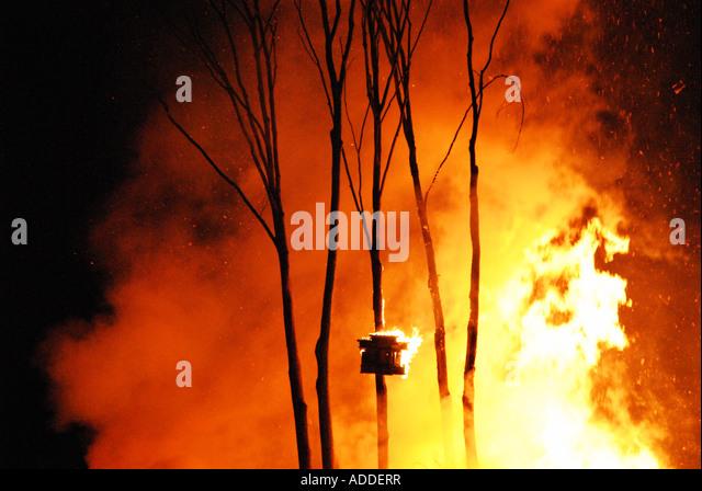 The shrine aflame at Nozawa Onsen's Dosojin Festival, Nagano Prefecture, Japan - Stock-Bilder