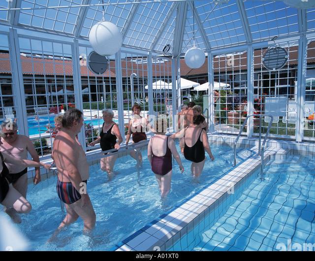 Kneipp bath stock photos kneipp bath stock images alamy - Bad homburg swimming pool ...