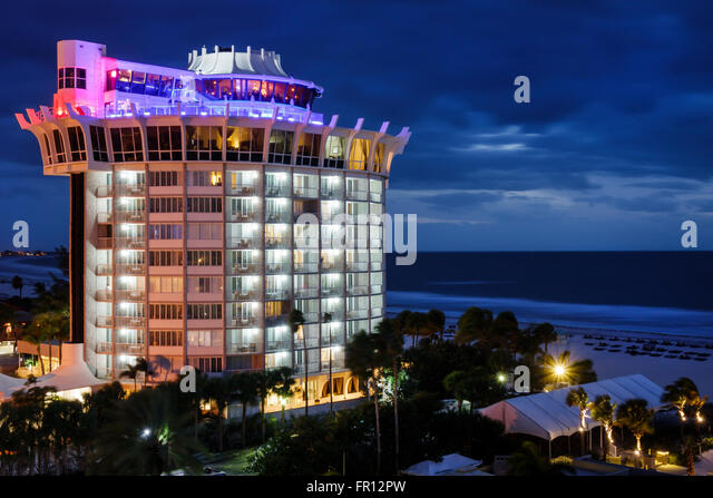 Nov 09, · Description: Woody's Waterfront Cafe and Beach Bar in St. Pete Beach, Florida, offers outstanding food, and breathtaking views of Blind Pass and the Gulf of Mexico. Experience for yourself why Woody's fans return year after year, from around the globe. Great Food!Phone: +1