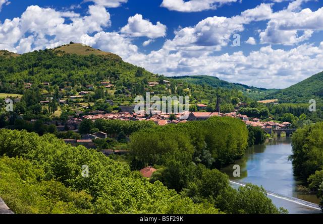 Saint Antonin Noble Val and the River Aveyron, Tarn et Garonne, France Europe - hires capture - Stock-Bilder