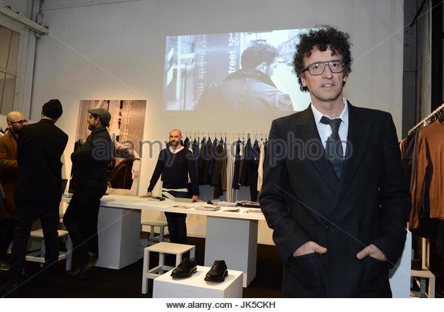:Massimiliano Bizzi presidente WHITE nello stand che rappresenta la collezione di Antonio Banderas Design by selected - Stock Image