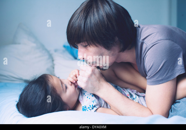 Father spending quality time with young daughter - Stock Image
