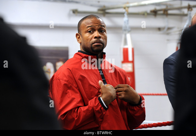 Boxer Roy Jones Jr speaks at a boxing gym in Brighton - Stock Image