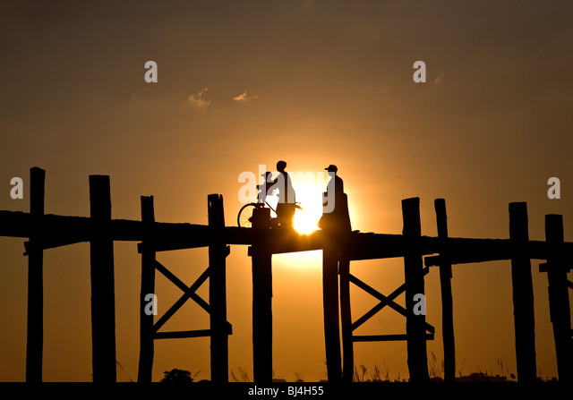 Sunset over U Bein´s bridge.Amarapura.Myanmar - Stock-Bilder