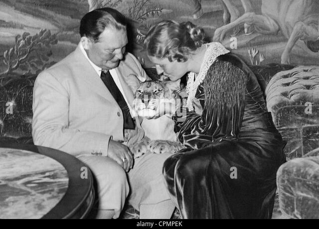 Hermann Goring with Emmy Goring - Stock-Bilder