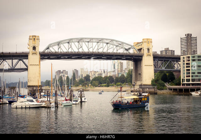 A view of the Burrard Street Bridge in Vancouver, British Columbia, Canada. - Stock Image
