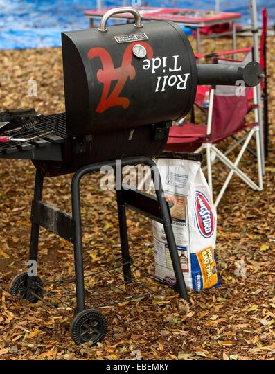 Tuscaloosa, Alabama, USA. 29th Nov, 2014. Tailgating on The Quad on the morning of the 2014 Iron Bowl Game between - Stock Image