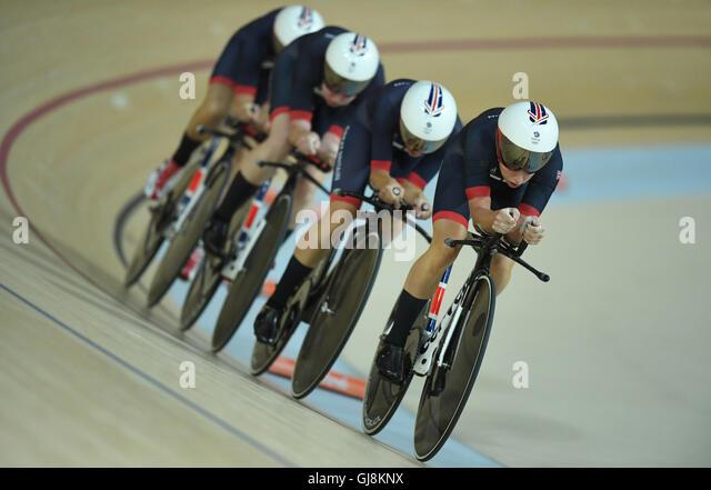 Rio de Janeiro, Brazil. 13th Aug, 2016. Team of Great Britain consisting of Katie Archibald, Laura Trott, Elinor - Stock-Bilder