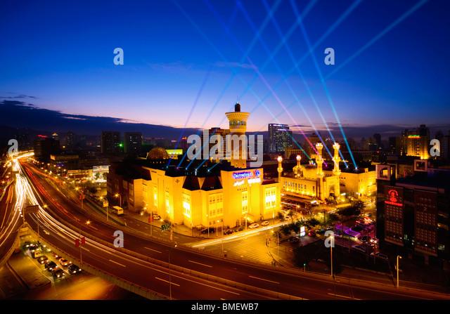 International Grand Bazaar at night, Urumqi, Xinjiang Uyghur Autonomous Region, China - Stock-Bilder