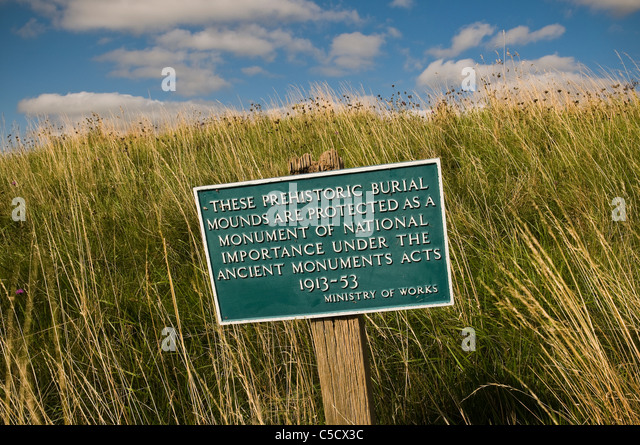 Ministry of Works sign at a prehistoric ancient monument site, Berkshire, UK - Stock-Bilder