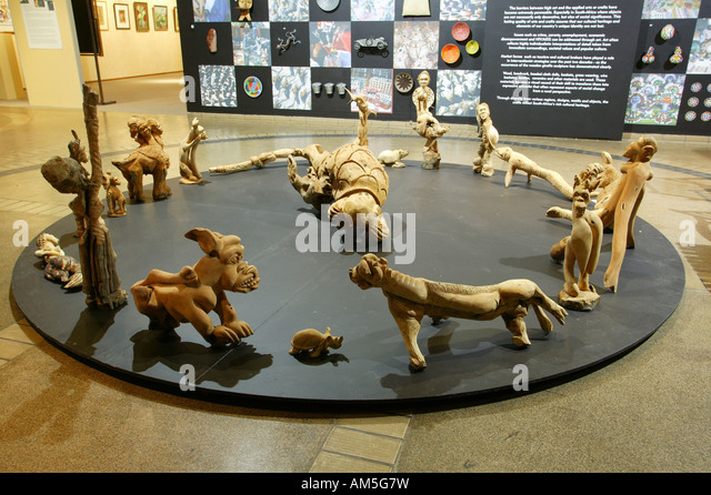 Holzskulptur Stock s & Holzskulptur Stock Alamy