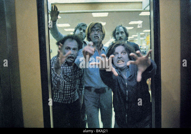 DAWN OF THE DEAD (1978) ZOMBIE (ALT) DODE 001 - Stock Image