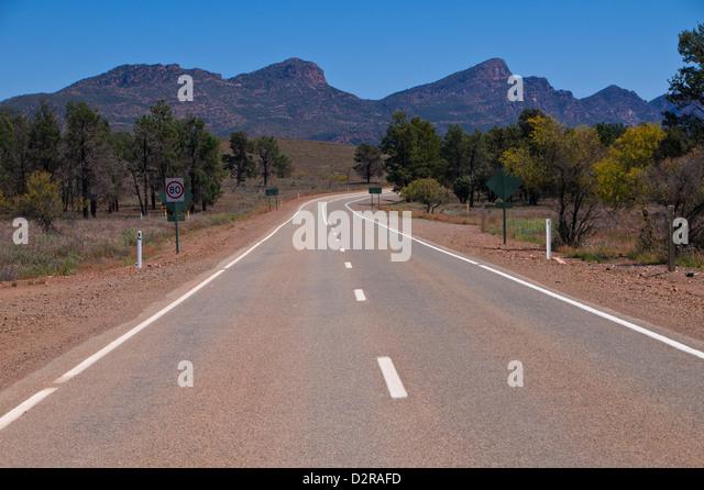 Road leading in the Flinders Range National Park, South Australia, Australia, Pacific - Stock Image