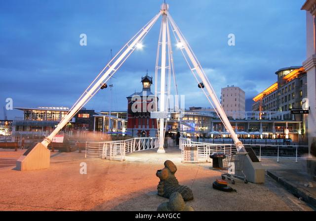 south africa cape town Victoria Albert waterfront swing bridge clock tower twilight - Stock Image